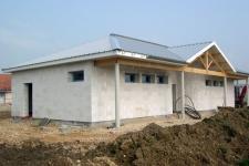 Construction d'un vestiaire en béton cellulaire au stade municipal