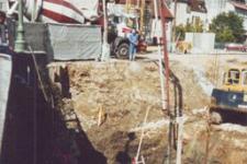 Battage de palplanches :mise en place de fondations préfabriquées sur béton prise mer dans le fond du canal des Tanneurs